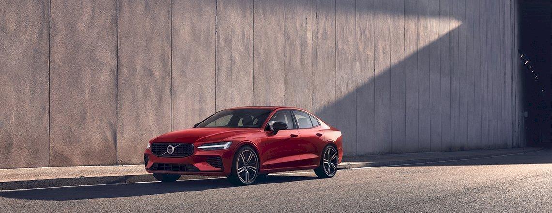 Volvo-S60_processed.jpg